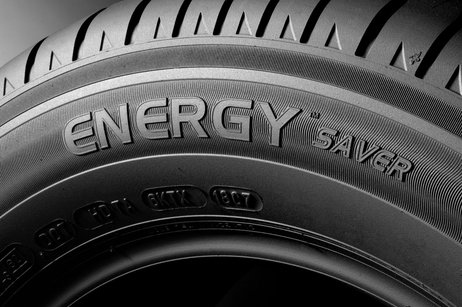 S0-Le-pneu-MICHELIN-ENERGY-Saver-41933