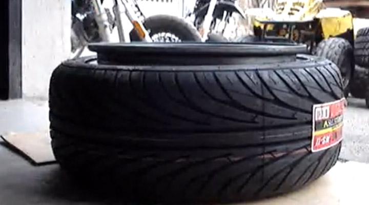 Comment monter un pneu en 20s ?