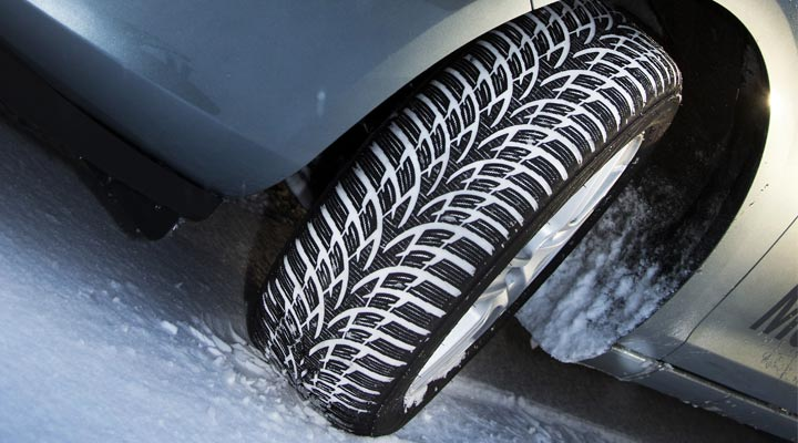 Test pneus hiver 2011 : Automobile Magazine