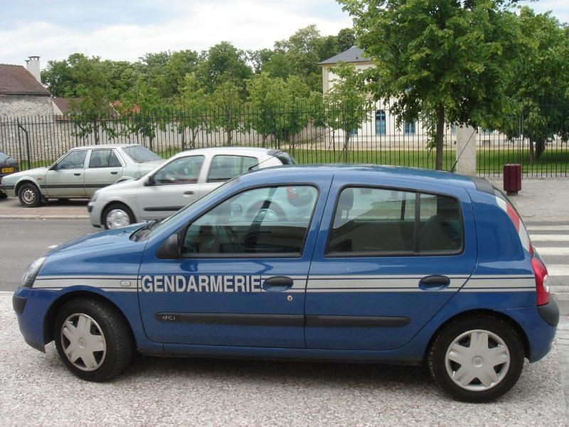 les voitures de la gendarmerie nationale au fil du temps