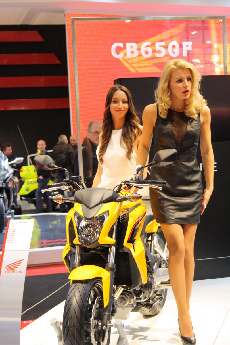 Salon de la moto paris 2013 3 3 les hotesses 26 images for Reduction salon de la moto