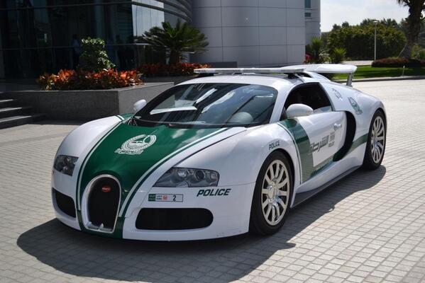 Dubai - Bugatti Veyron