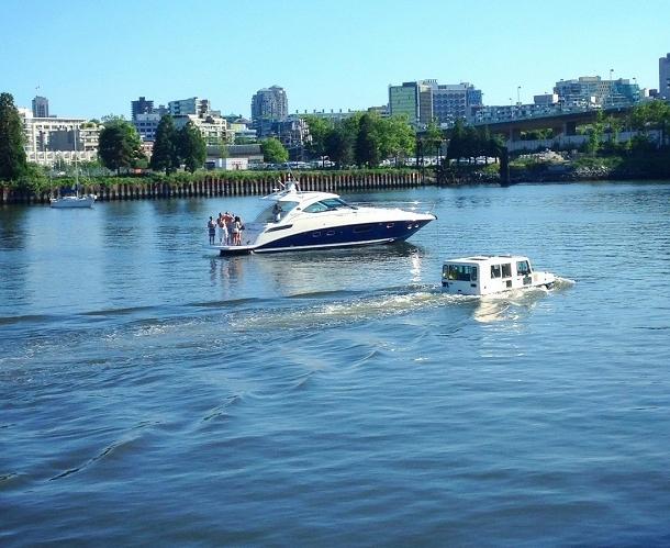 voiture bateau