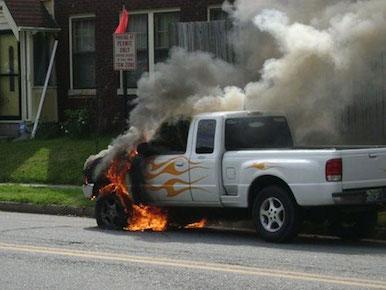 voiture-feu-ironie-incendie-fail-carpaint