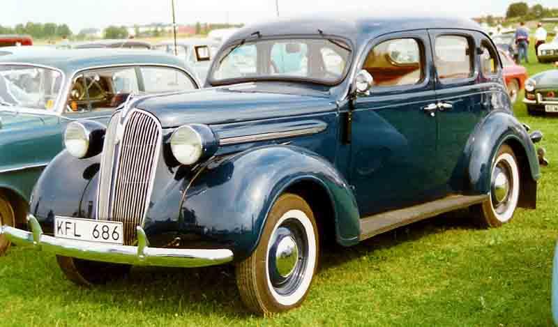 Plymouth de luxe 4 door sedan 1937 chewing gomme for 1937 plymouth 4 door sedan