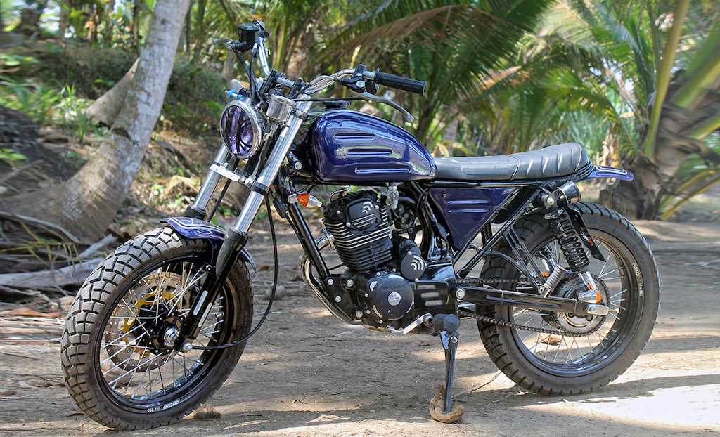35545 besides Lust Motorcycles La Sr 500 De Philippe also Watch together with Don Castro Headed To Ama Hall Of Fame additionally Transformations Avant Apres. on yamaha 650 street tracker