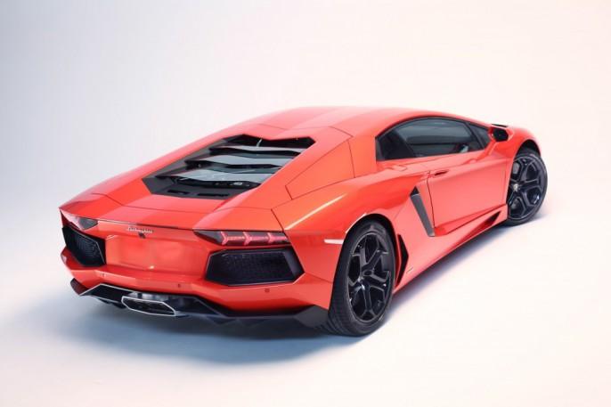 Lamborghini-Aventador-vitesse-350-kmh-1024x682