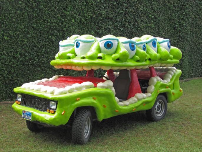 Shrek à une voiture ? !