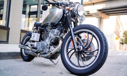 Pneu moto arrière usé : dois-je changer aussi mon pneu avant ? [GUIDE]