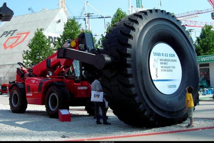 Le-plus-gros-pneu-du-monde