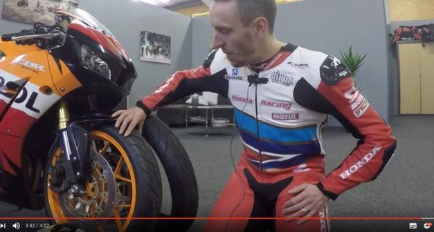 [Moto] Freddy Foray teste 2 pneus Pirelli hypersportifs