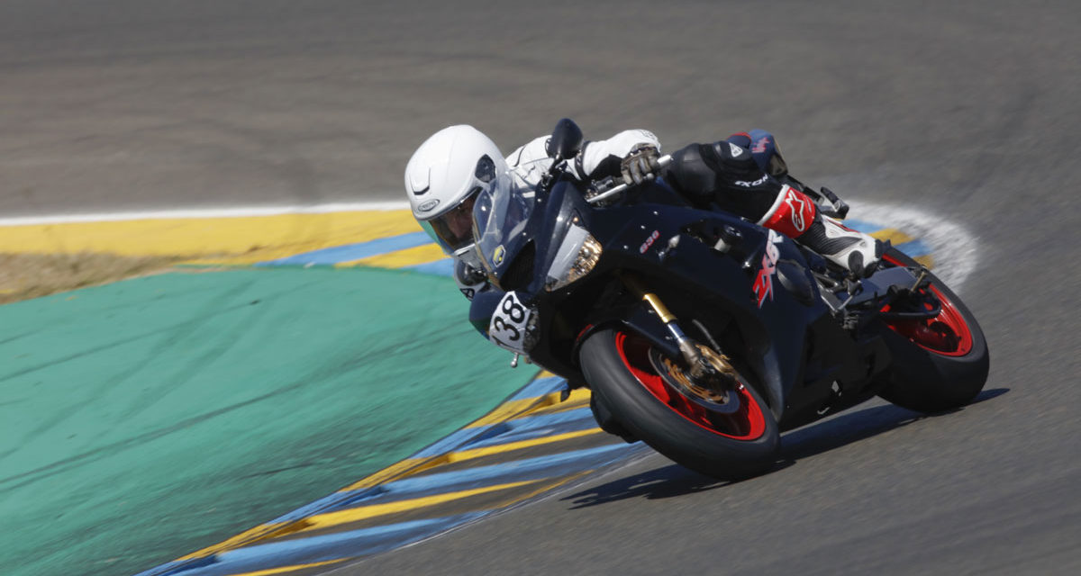 Essai des pneus Pirelli Diablo Rosso III par le Repaire des Motards