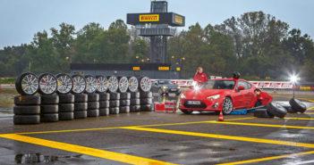 Comparatif de pneus UHP et circuits en 225/40R18 par Sport Auto