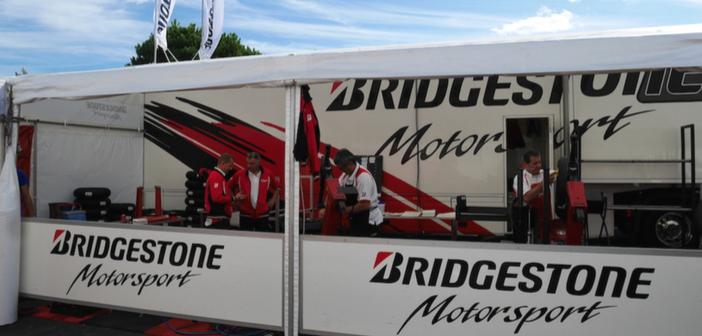Le stand Bridgestone au Bol d'Or 2017