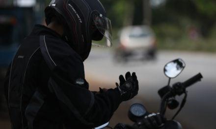 Quels sont les équipements obligatoires à moto ?