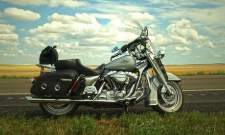 Les accessoires moto indispensables pour débuter
