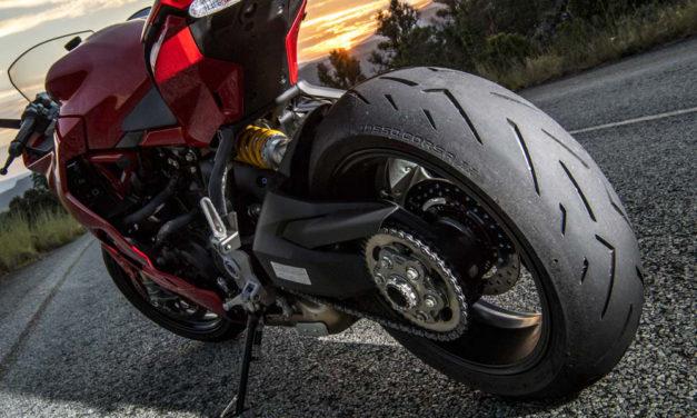 Diablo Rosso Corsa II, la référence pneu sport dans la gamme Pirelli moto