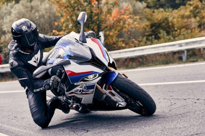 Pneus Metzeler M9 RR sur BMW S1000RR