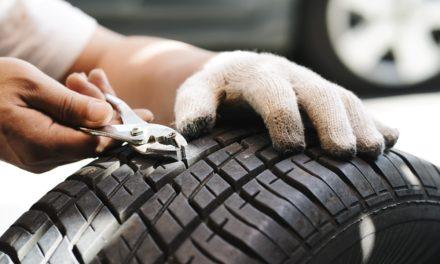 Réparer un pneu avec une mèche : est-ce autorisé ?