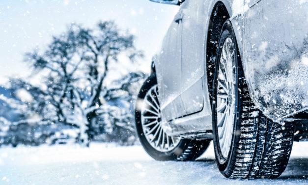 Peut-on remplacer les pneus d'hiver par des pneus d'été montés de chaînes à neige?