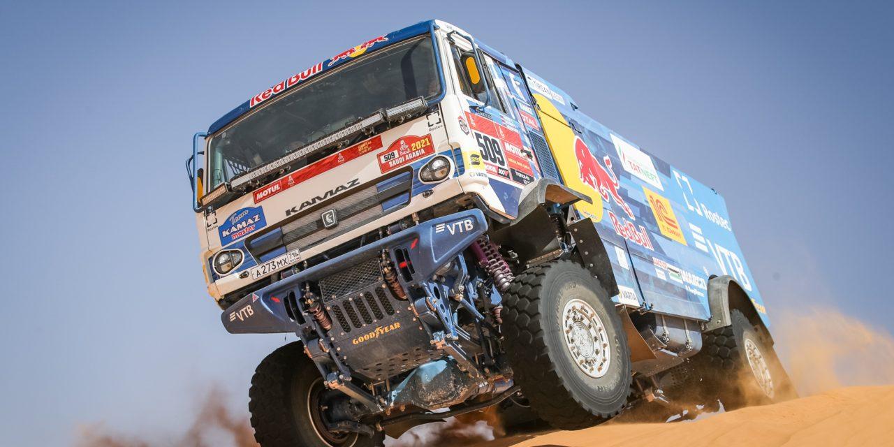 Dakar 2021 : KAMAZ-Master en tête de la course avec des pneus poids-lourd standards